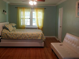 4 bedroom House with Internet Access in Forest Hills - Forest Hills vacation rentals