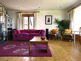 Beautiful 5 bedroom Blessington House with Deck - Blessington vacation rentals
