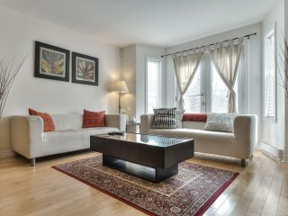 Spacious 2 Bedroom \ Steps 2 Bell Centre - Montreal vacation rentals