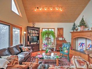 NEW! Waterfront 4BR Trenton Home - On 7 Acres! - Trenton vacation rentals