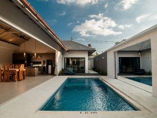 Villa Nakula 6 bedroom 10 minutes to the beach - Seminyak vacation rentals