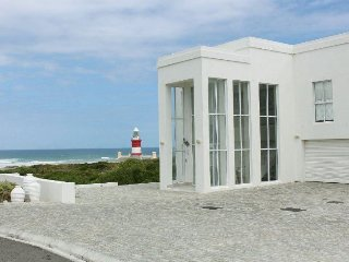 Bright 4 bedroom House in L'Agulhas - L'Agulhas vacation rentals