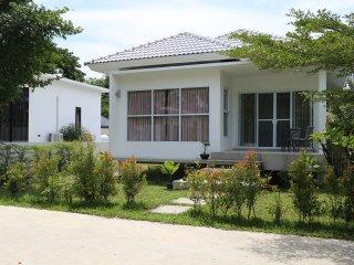 Bantai Maenam 2 bedroom villa - Mae Nam vacation rentals