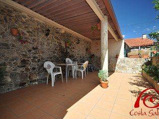 3 bedroom House with Television in Mazaricos - Mazaricos vacation rentals
