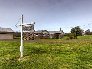 Puget Island home w/ 6 acres, deck, firepit & bikes - dogs OK, near the river! - Cathlamet vacation rentals