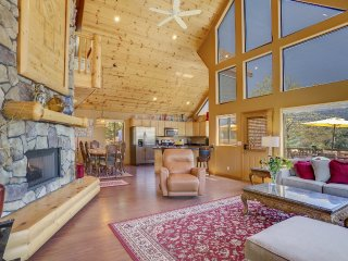 Beat the Heat at 5,801' above sea level!  Relaxing upscale chalet with views. - Pine vacation rentals