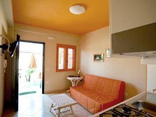 New listing! Monolocale - Le Casette sul Mare - Capo Vaticano vacation rentals