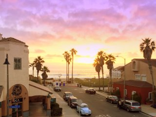 Ocean Breeze: Spectacular Sunsets from this Cool, Beach View Corner Unit - Imperial Beach vacation rentals