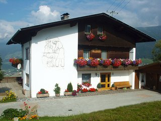 Nice Condo with Deck and Internet Access - Kartitsch vacation rentals