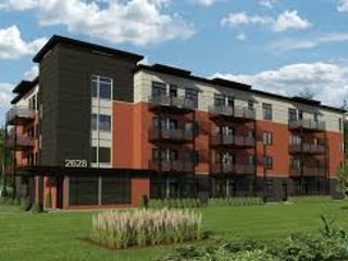 2 bedroom Condo with Elevator Access in Laval - Laval vacation rentals