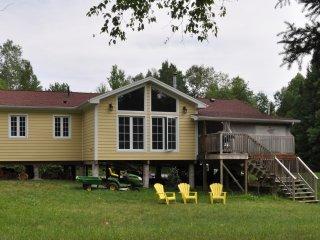 Cottage at Burnt River (Kawartha Lakes) - Fenelon Falls vacation rentals
