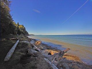 Captan's Quarters - Beach Front Cabin on the Strait of Juan De Fuca - Joyce vacation rentals