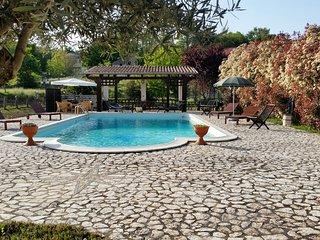 Villa con piscina per vacanze e cerimonie - Liberi vacation rentals