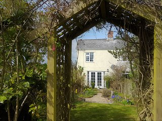 *NEW* Sparrow Cottage (sleeps 3) private garden. Forest of Dean. nr.Ross on Wye - Ruardean vacation rentals