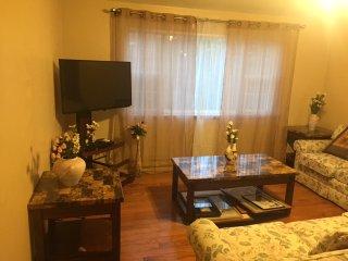 A Home Away From Home Clean 4 Bedroom House Near Kalahari WaterPark  & Resorts - Mount Pocono vacation rentals
