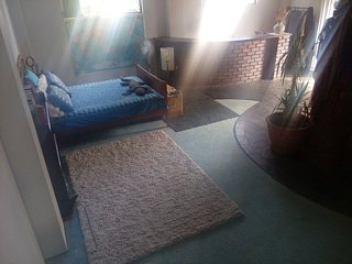 Massive room with private bathroom and kitchenette. Access to large outdoor area - Toowoomba vacation rentals