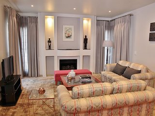 Large Furnished 2 Bedroom Flat opposite Zoo Lake in beautiful tree lined street - Illovo vacation rentals