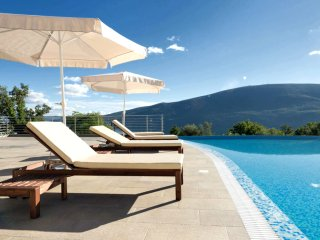 Modern and Luxury Apartment/ Acacia Hill/ Kotor Bay Stunning View/ Infinity Pool - Denovici vacation rentals