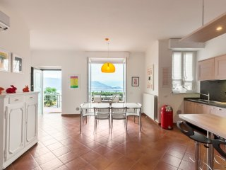 Italian Lakes contemporary 2 bedroom apartment - Stresa vacation rentals
