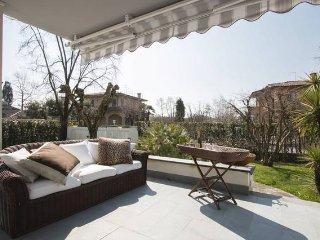 Villa Pina , relax e mare! - Forte Dei Marmi vacation rentals