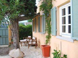 Il Lentisco charme a due passi dalla spiaggia! - Campo nell'Elba vacation rentals