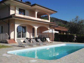 Villa Chiara with pool,few minutes from the beach! - Piano di Mommio vacation rentals