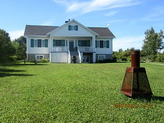 Ancestral house on Orleans Island.25mins from city - Quebec City vacation rentals