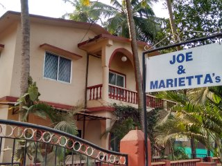Joe and Marietta's Guesthouse - Jackfruit twin bedded room - Calangute vacation rentals