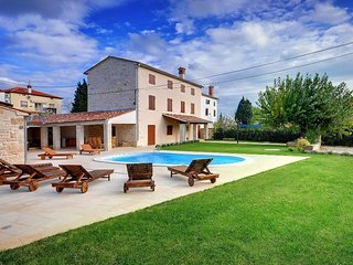 Nice House with Internet Access and Washing Machine - Golas vacation rentals