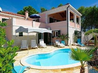 Nice 3 bedroom House in Cove Mikulina luka (Vela Luka) - Cove Mikulina luka (Vela Luka) vacation rentals