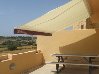 Comfortable Condo with Washing Machine and Television - Zejtun vacation rentals