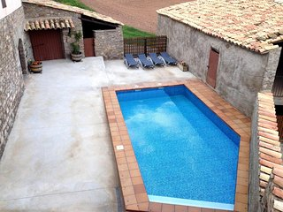 Nice House with Washing Machine and Microwave - Avinyo vacation rentals