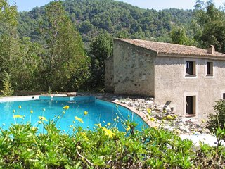 Nice House with Washing Machine and Microwave - Reus vacation rentals