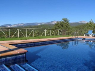 Lovely 5 bedroom Solsona House with Internet Access - Solsona vacation rentals