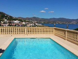 4 bedroom House with Internet Access in Llanca - Llanca vacation rentals