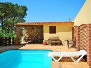 Nice 4 bedroom Vidreres House with Internet Access - Vidreres vacation rentals