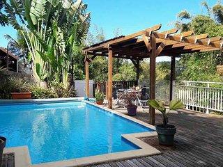 Villa Créole avec piscine à La Montagne - Saint-Denis vacation rentals