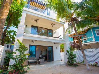 Bella Luna Beach House 1 Bedroom ground floor - West End vacation rentals