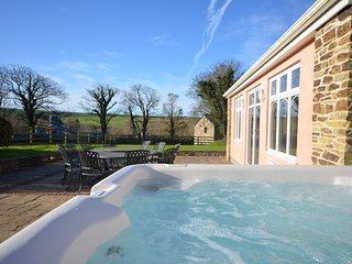 Spacious 6 bedroom House in Saint Issey - Saint Issey vacation rentals