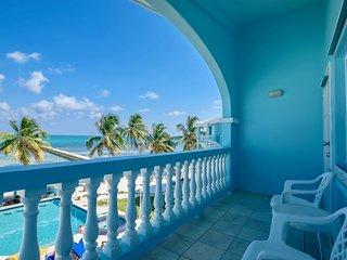 A6: Beachfront with verandas, pool, bikes & kayaks - San Pedro vacation rentals