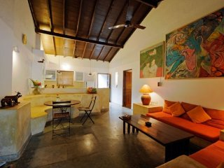 Artsy 2-bedroom luxury villa, close to Calangute Beach - Candolim vacation rentals