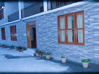 3 BHK cosy cottage ideal for a group of friends - Manali vacation rentals