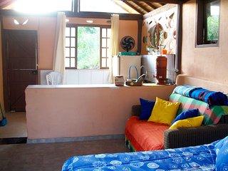 Eco Chalé Permacultural - Sítio Moksha Bhavan - Soledade de Minas vacation rentals