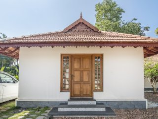Picturesque homestay on banks of Pamudi River - Alappuzha vacation rentals