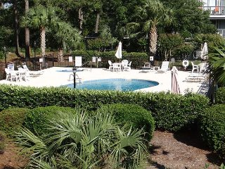 Golf Colony-Very Comfy Retreat overlooking the pool-2B - Myrtle Beach vacation rentals