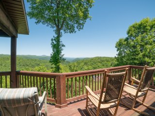 GORGEous View of Green River Gorge, 25 minutes to TIEC - Saluda vacation rentals