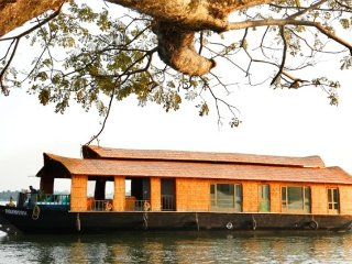 Private room in a houseboat for a romantic getaway - Thiruvananthapuram (Trivandrum) vacation rentals