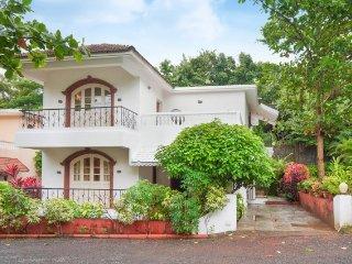 Luxurious 4-bedroom villa, 750 m from Sinquerim beach - Sinquerim vacation rentals