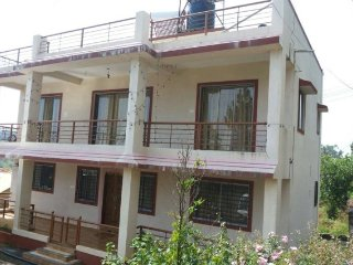 Nice Bungalow with Parking and A/C - Panchgani vacation rentals