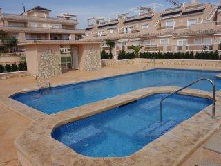 Comfortable 2 bedroom Torre de la Horadada Apartment with Internet Access - Torre de la Horadada vacation rentals